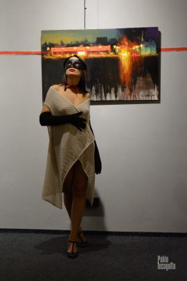 Nude photoshoot in an art gallery. Photographer Pablo Incognito