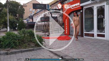 Nude video. Backstage photo session near the Strawberry sex shop. Pablo Incognito