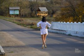 Nude photoshoot on the road. Striptease on the bridge. Photo by Pablo Incognito