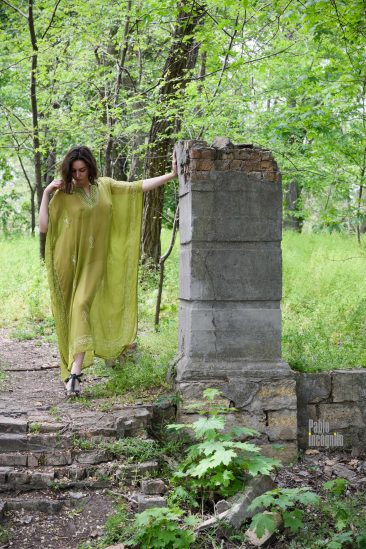 Girl in a transparent dress. Nude photo session in the park. Photographer Pablo Incognito
