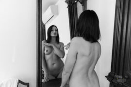 Naked Iren Adler near the mirror. Photo by Pablo Incognito