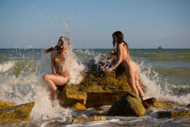 Two naked girls at the sea. Nude photo by Pablo Incognito