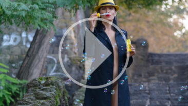 A girl in a jacket blows bubbles on her naked body. Nude. Video. Pablo Incognito