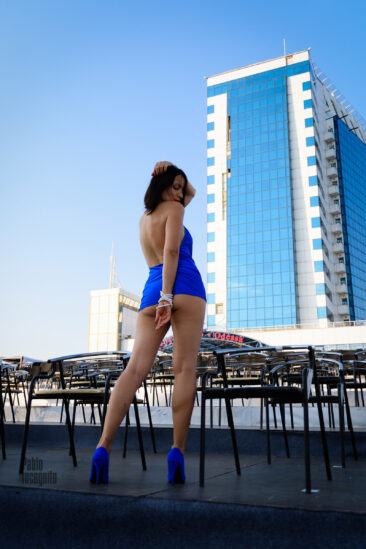 Striptease on the city of Odessa. Nude photographer Pablo Incognito