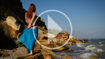Video backstage nude photo session on rocks on a wild beach. Pablo Incognito