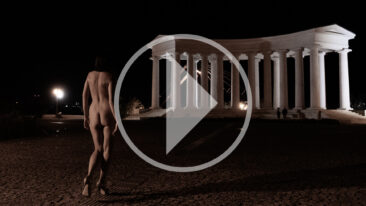 She is coming! Video backstage to a nude photo shoot by Pablo Incognito