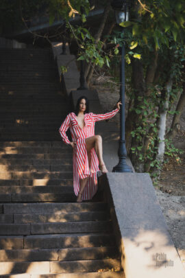 Nude photoshoot on the stairs. Erotic and aesthetic Nude photos. Pablo Incognito