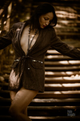 Vintage nude photo shoot on iron steps. Photo by Pablo Incognito