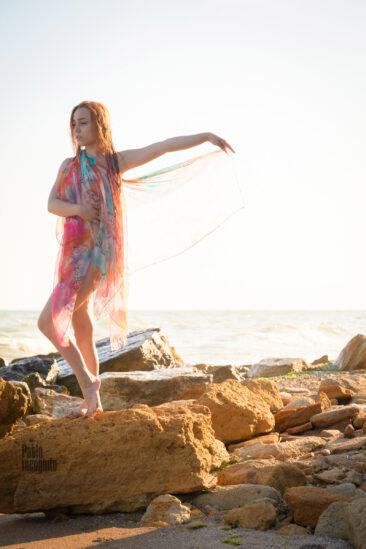 Nude photo session on a wild nudist beach. Photographer Pablo Incognito