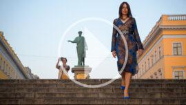 Video walk in a transparent dress near Duke in Odessa. Photo by Pablo Incognito