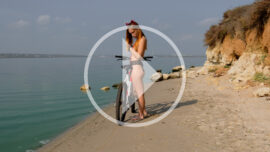 Video backstage nude photo shoot with a bike. Photo by Pablo Incognito