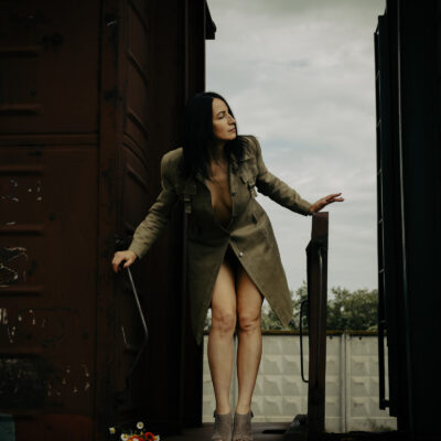 Nude Surrealism on the railroad. Photo by Pablo Incognito