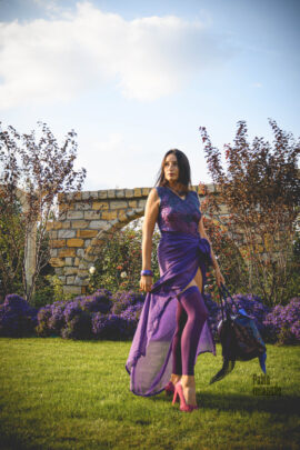 Nude photoshoot. Full nude striptease in purple. Photo by Pablo Incognito